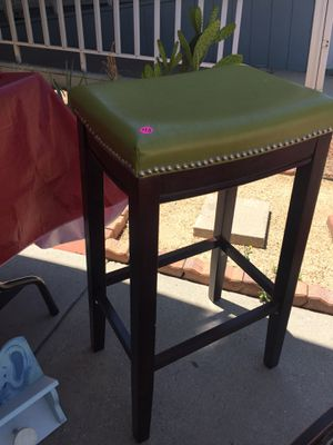 Green bar stool Good condition for Sale in San Jacinto, CA