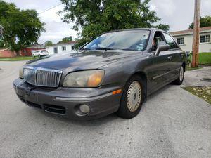 Hyundai XG300 2001 for Sale in Miami, FL