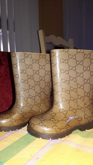 Gucci rain boots kids size 23 for Sale in Lithia, FL