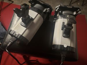 Neewer 300 watt strobe for Sale in Wahneta, FL
