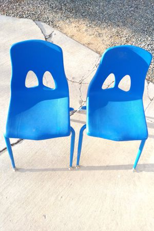 Kids school chairs for Sale in Apple Valley, CA