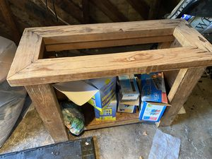 Fish tank stand (pending pick up ) for Sale in Huntington Park, CA
