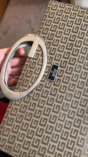 WOMEN'S GUCCI WALLET for Sale in Powell, OH