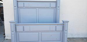 Grey queen bed frame for Sale in Phoenix, AZ