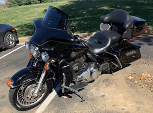 MOVING SALE! Price reduced!! 2011 Harley Davidson Electra Glide Ultra Classic for Sale in Warrenton, VA
