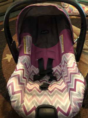 Brand new infant babygirl car seat for Sale in Silsbee, TX