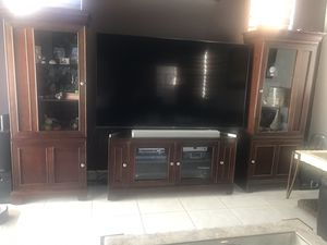 """4 piece tv console in great condition. Can hold a tv up to 65"""" inches. With plenty of storage and display. for Sale in Miami, FL"""