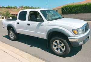 Well maintained 2003 Toyota Tacoma Rear camera for Sale in Norfolk, VA