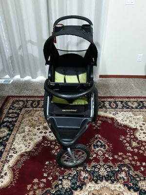 Baby trend jogging stroller . EXCELLENT and everything works good and clean for Sale in Everett, WA