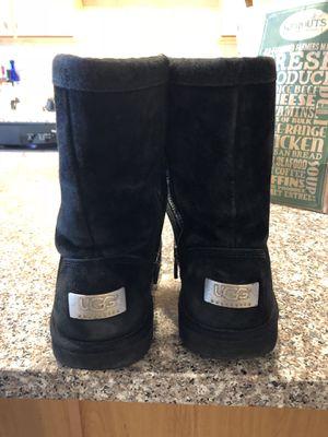Woman's size 7 black short Ugg's for Sale in Denver, CO