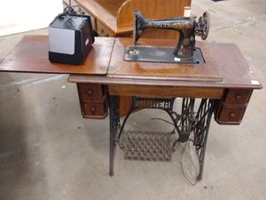 Antique Singer sewing machine and table for Sale in North County, MO