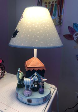 Little kids desk table lamp for Sale in Plano,  TX