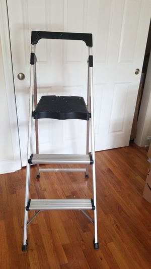 Ladder medium size for Sale in Woodmere, NY