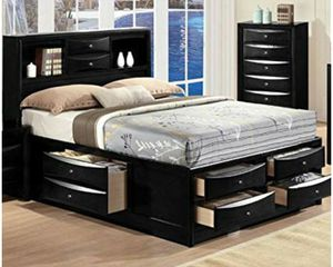 Queen Size bed frame w/ storage. for Sale in Chicago, IL