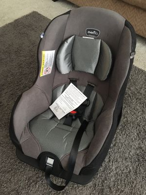 Evenflo Car seat. BRAND NEW! NEVER USED for Sale in Niceville, FL