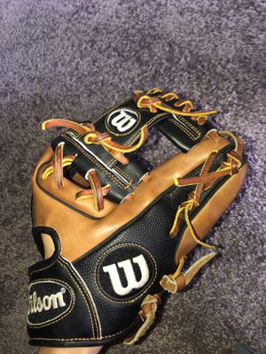 Wilson a2000 baseball glove for Sale in Kent, OH