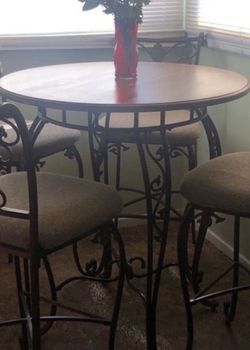 Kitchen Dining Table for Sale in Fontana,  CA