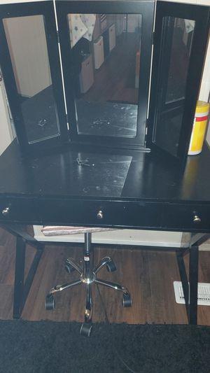 Makeup vanity for Sale in Bremerton, WA