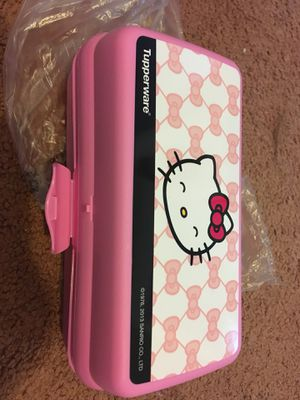 Hello kitty lunch storage plastic container Tupperware for Sale in Pittsburgh, PA