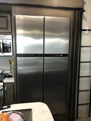 2118ss PolarMax Rv fridge for Sale in Pacheco, CA