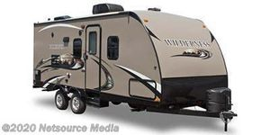 2014 Heartland Wilderness 2650BH travel trailer with bunk beds PERFECT for FAMILY for Sale in Pompano Beach, FL