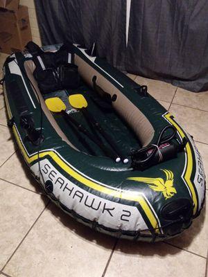 Intex Seahawk 2 inflatable boat w/ oars & high output air pump for Sale in Phoenix, AZ