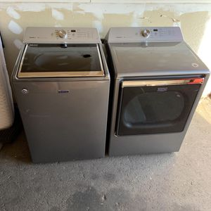 2019 Maytag Bravos XL Commercial Washer and Dryer for Sale in Missoula, MT