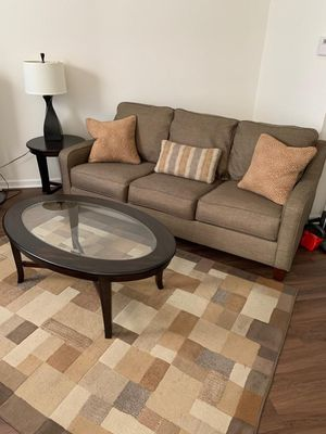 Couch,End Table,Pillows & Coffee Table,Area Rug (Exceptional Condition) for Sale in Fort Washington, MD