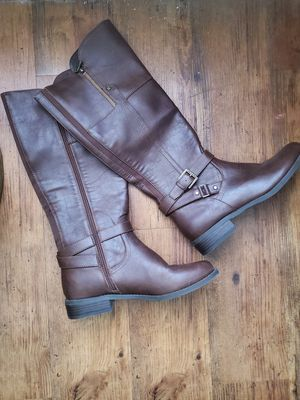 Sz 9 guess brown boots for Sale in Columbus, OH