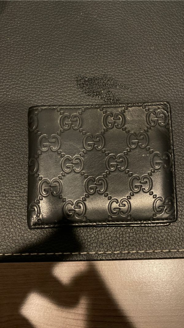 GUCCI WALLET (AUTHENTIC)