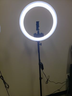 Neewer ring light 19 in for Sale in Webster, TX