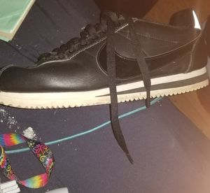Nike Cortez 9.5 for Sale in Fairview, TN