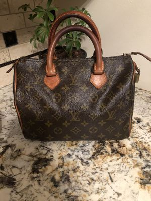 Louis Vuitton speedy bag for Sale in Palatine, IL