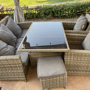 Patio Table And Chairs for Sale in San Diego, CA