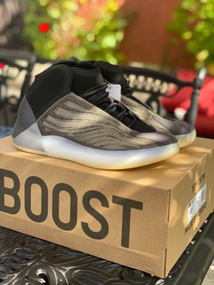 Yeezy Qntm ( size 10 ) for Sale in Costa Mesa, CA