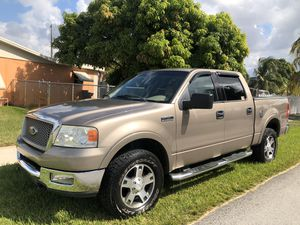 2005 Ford F-150 lariat for Sale in Hialeah Gardens, FL