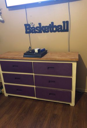 Queen Bed, night stand and dresser for Sale in Abilene, TX