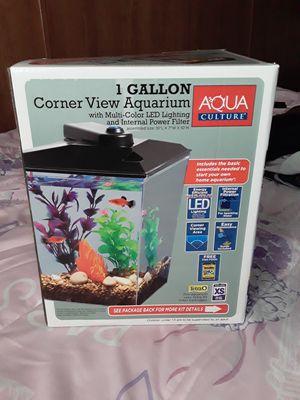 Fish tank for Sale in Cairo, GA