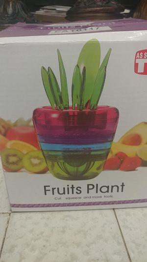 Fruit plants mutli tool for Sale in Fresno, CA