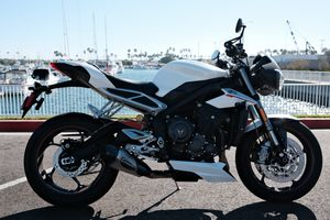 2019 Triumph Street Triple RS 765 Motorcycle - 3800 miles with Warranty and Title for Sale in Long Beach, CA