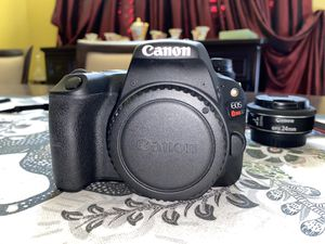 Canon SL2/200D w/ 3 lenses. Willing to negotiate price! (Also read description) for Sale in Apopka, FL