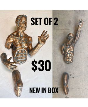 ➿3D statues for wall hanging • set of 2 for $30 • just shipping • Home Decor Sculptures Men on the wall Collection for Sale in Miami, FL