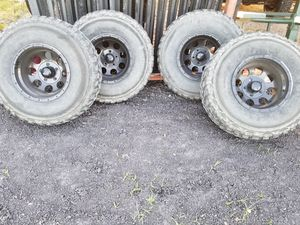 5 Jeep wheels and tires for Sale in Farmersville, TX