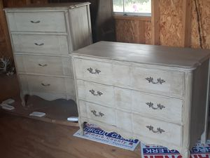 Dixie dressers for Sale in Titus, AL