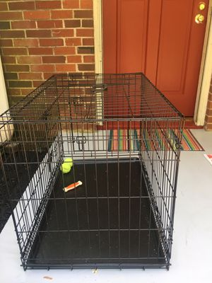 Med/large dog crate for Sale in Lynchburg, VA