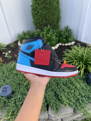 Air Jordan 1 UNC to Chi size 8.5W for Sale in Jamaica, NY