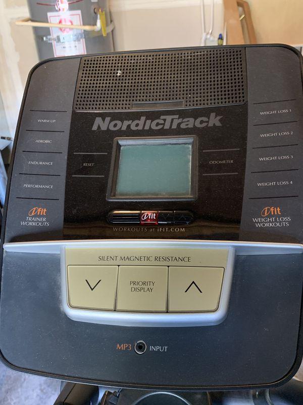 Elliptical Trainer - NordicTrack E7sv