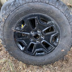 Wheel and tire for jeep wrangler for Sale in Cedar Creek, TX
