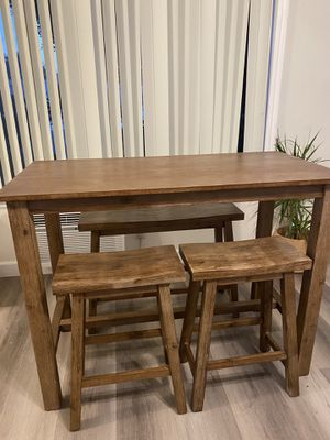 4 piece Table set - $250 for Sale in Marina del Rey, CA