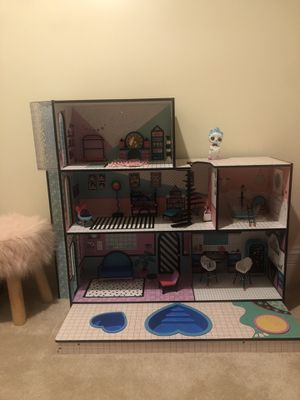 LOL doll house like new for Sale in Chicago, IL